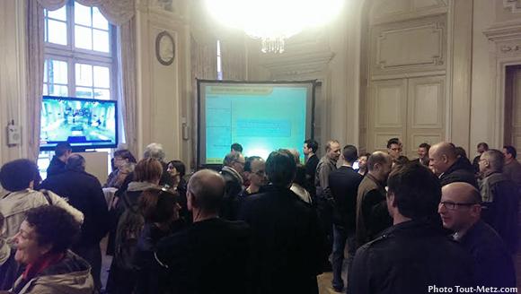 La grande salle de l'hôtel de ville à quelques minutes de l'annonce des résultats