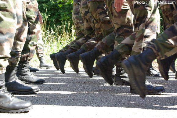 La marche au pas : un exercice pas si évident qu'il n'y paraît !