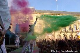 Color of time et corso fleuri : festival de couleurs en poudre à Metz (photos et vidéo)