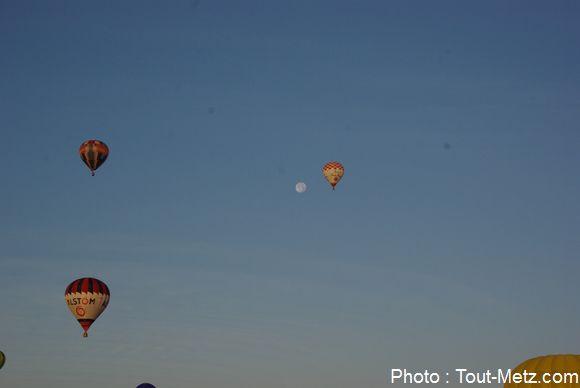 Les montgolfières avaient rendez-vous avec la lune !