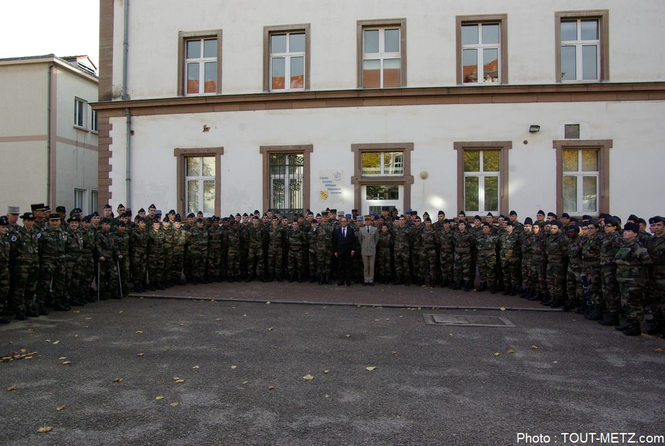 hollande-service-militaire-montigny-les-metz-2015-IMGP2887