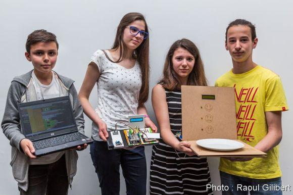 L'équipe du collège Jean Mermoz de Yutz a remporté le premier prix du hackathon collège édition 2016 avec une balance anti-gâchis pour les cantines.