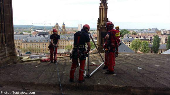tyrolienne pompiers cathedrale metz 2016