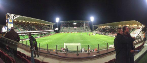 La vue depuis l'un des espaces VIP / réception du stade St Symphorien, situé dans la tribune Ouest. Photo : CM pour Tout-Metz