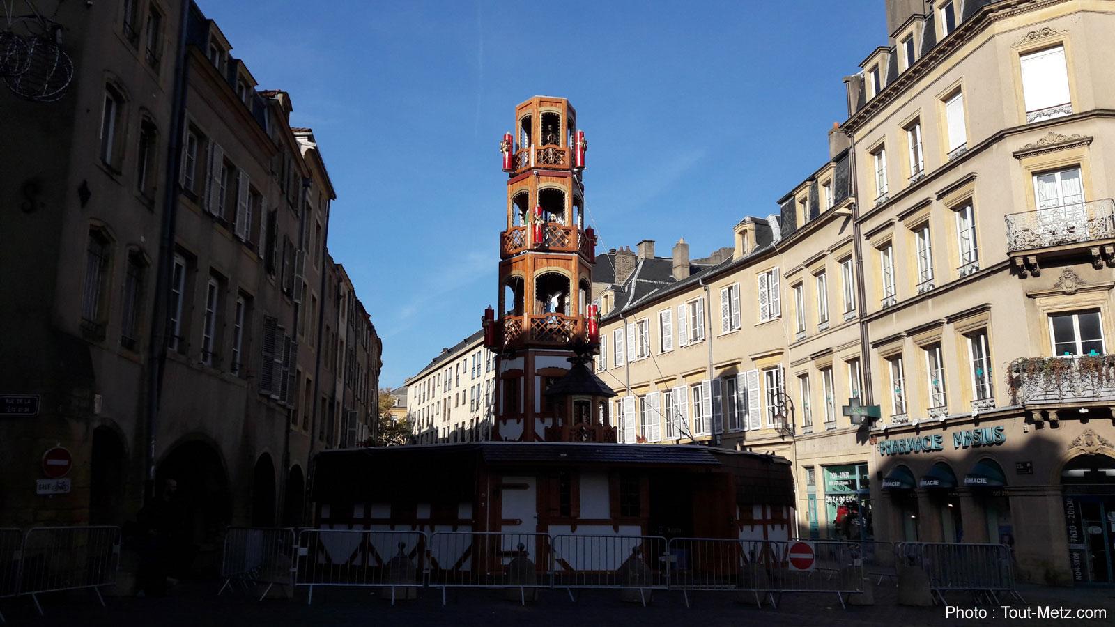 Photos : Pyramide et Féerie, les prémices de Noël dans les rues de Metz