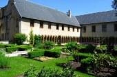 Metz : un vide greniers au cloître des Récollets
