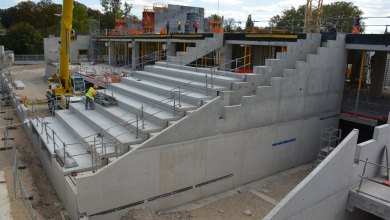 Photo of Chantier du FC Metz : la pose des premiers gradins au Saint-Symphorien (photos)