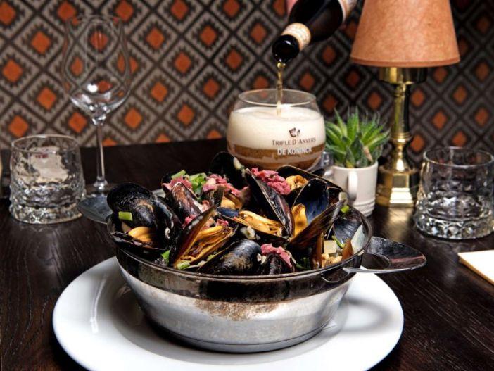 Где поесть в Антверпене: Grand Cafe De Rooden Hoed