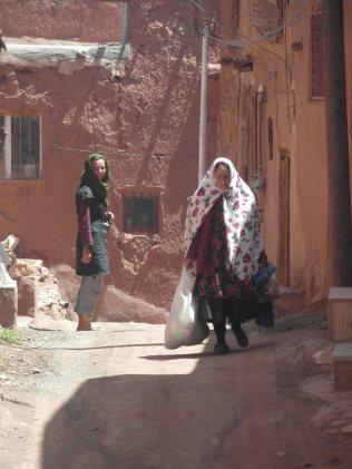 Abianeh et les tchadors colorés