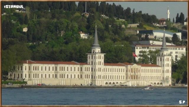 Le Lycée Militaire Kuleli, la croisière sur Bosphore à Istanbul