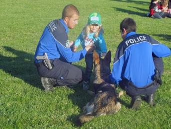 Les enfants du Nord vaudois apprivoisent le chien avec la police
