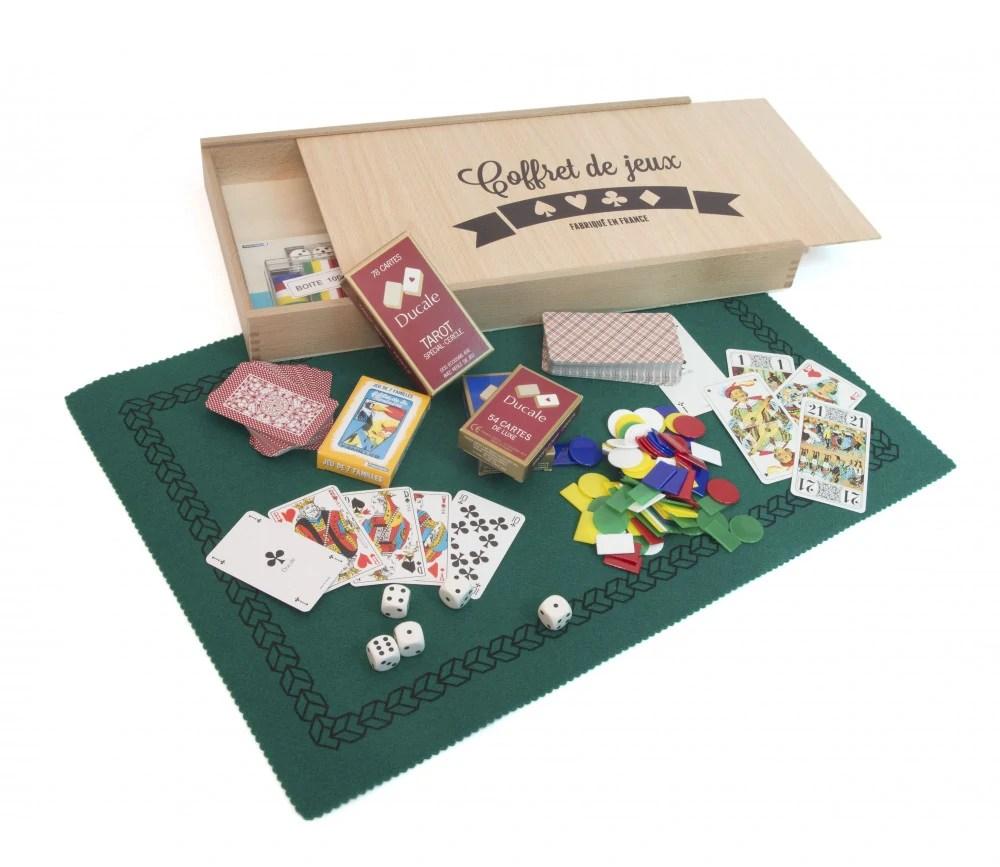 coffret de jeux en bois luxe avec cartes jetons et tapis