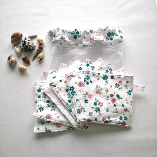 lingettes lavables fleurs multicolores fond blanc