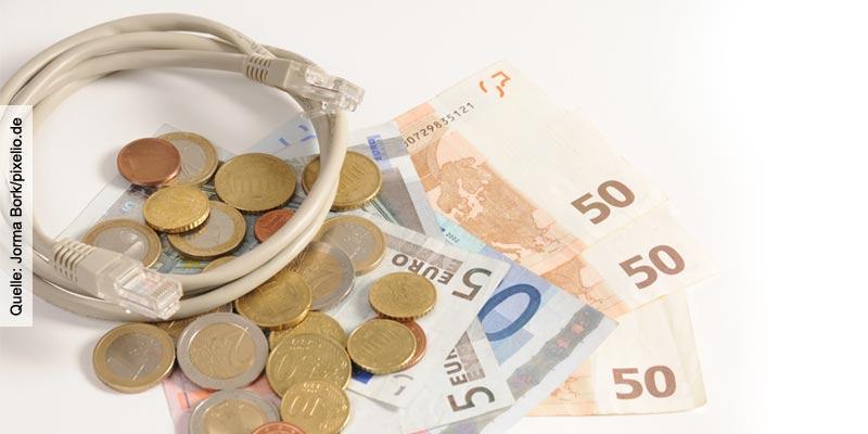 Geld-Muenzen-und-Geldscheine_Jorma-Bork-pixelio