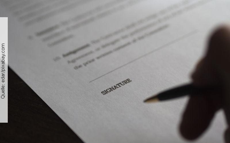 Arbeitsvertrag, Quelle: edar/pixabay.com