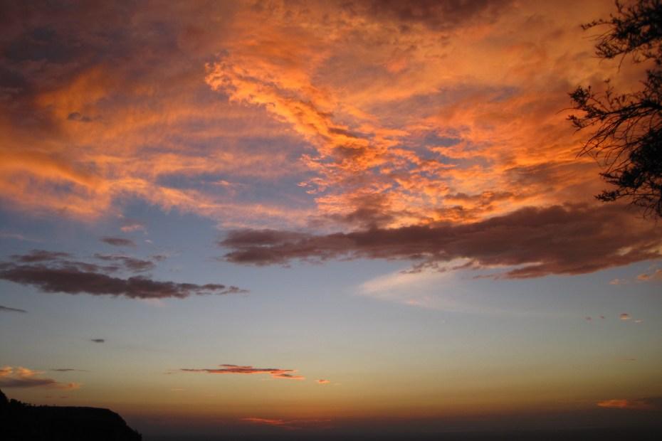 Wolken gekleurd