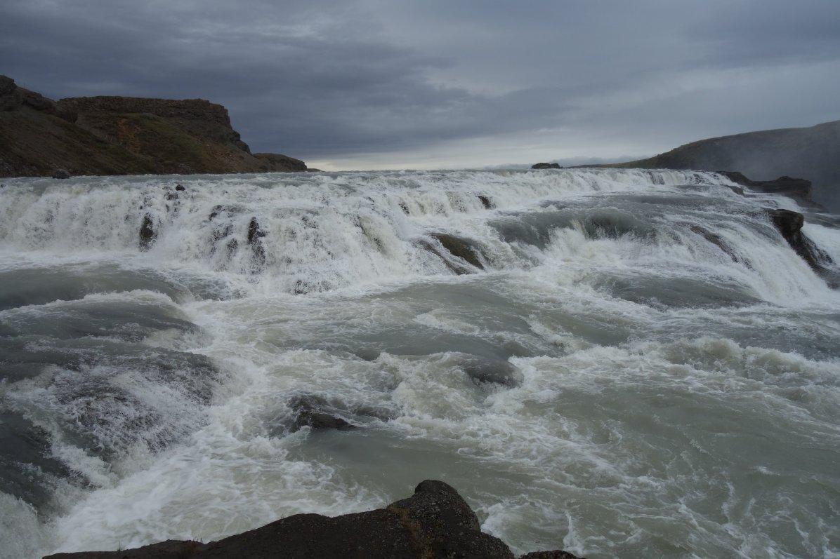 Waterval ijsland6
