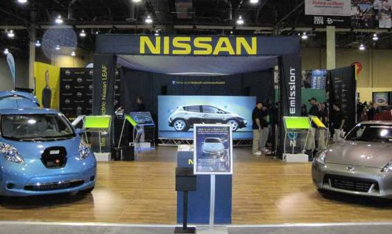 Nissan-corporate-event-with-wooden-floor