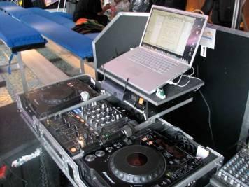Sound-mixing-reinforcement