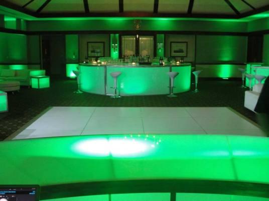 round illuminated bar