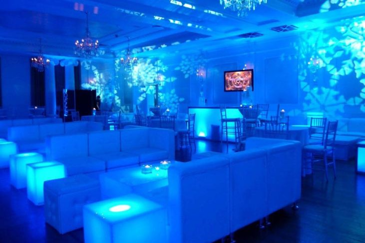 event lighting, illuminated tables, lounge decor