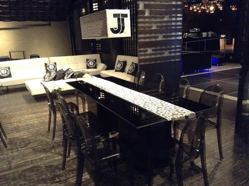 Black-Acrylic-Tables
