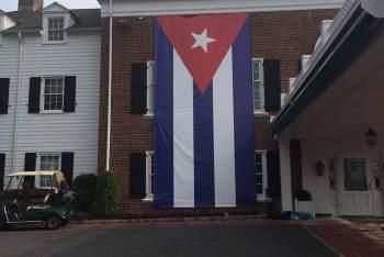 Havana-Flag-Prop