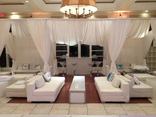 Privacy-booths-and-white-lounge-furniture