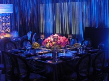pinspot-lighting-on-floral-centerpiece-long-island