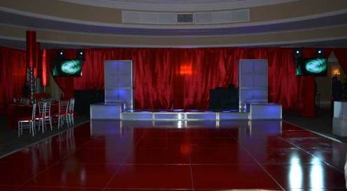 Remis-bat-mitzvah-with-deep-red-dance-floor