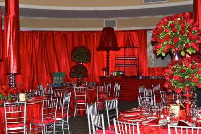 remis-bat-mitzvah-red-draping-metallic-red-centerpieces-with-red-roses