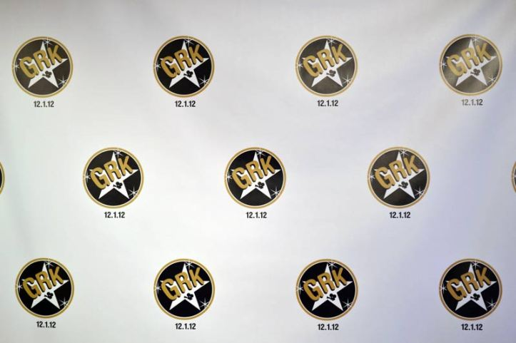 white-and-gold-mitzvah-with-white-gold-black-step-and-repeat-entrance-banner