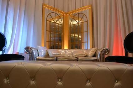 Gatsby-Event-Production-Deco-Mirror-with-Tufted-Couch
