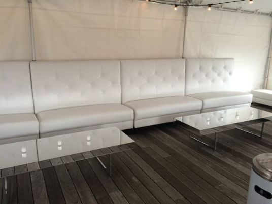 hi-back-banquettes-lounge-decor