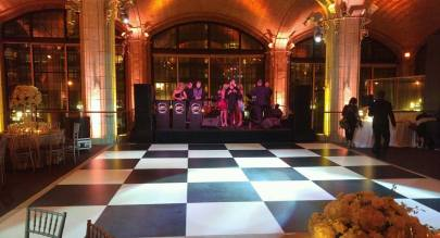 black-and-white-checkered-dance-floor-with-live-band