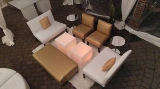 gold-lounge-decor