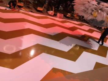 Gold-Zig-Zag-Pattern on portable dance floor