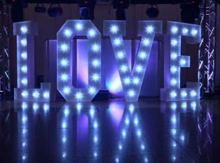 Large-Marquee-letters-with-lights