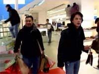 Johnny_weir_shopping_1