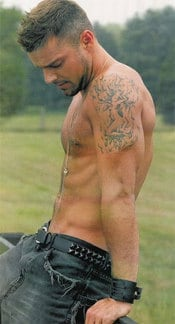 Ricky_martin_shirtless