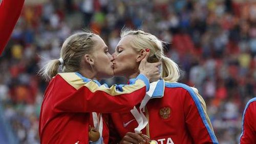 Protest-kiss-at-iaaf-world-champs-1-522x293