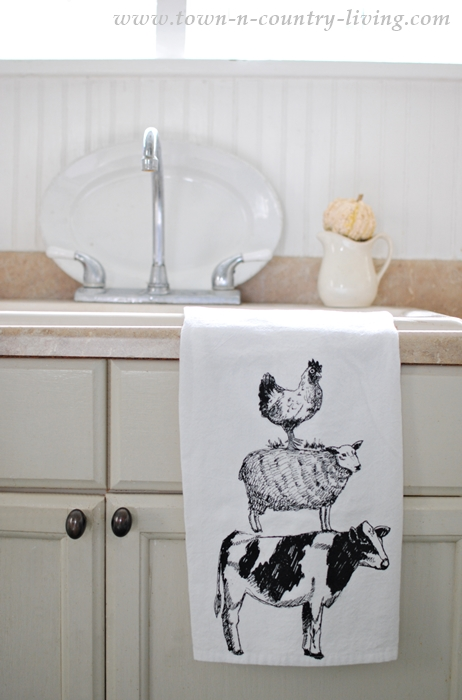 Farmhouse Kitchen Decor Get The Look Town Amp Country Living