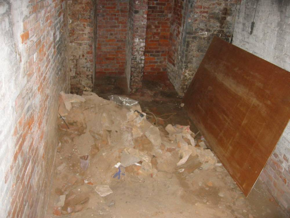 The basement -- clean foundation for 2009 (4/6)