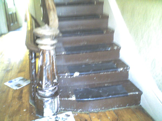 Banister paint stripping (4/5)