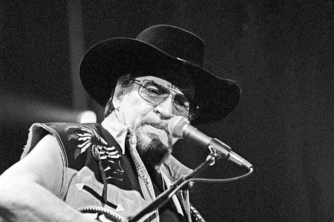 waylon jennings, old fiver and dimers