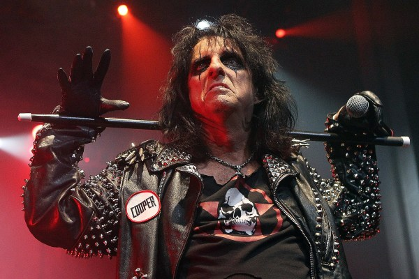 Alice Cooper Calls Out Rockers Who Tell People Who to Vote For