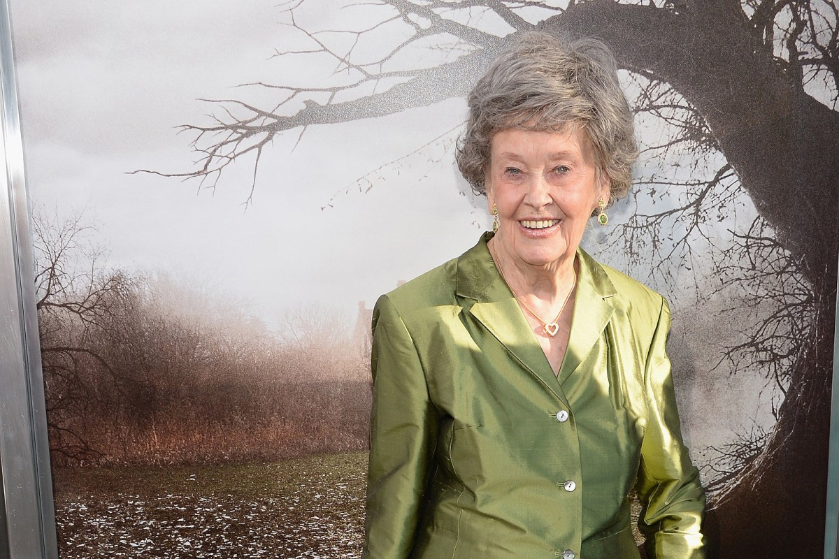 Lorraine Warren Who Inspired The Conjuring Dies At 92