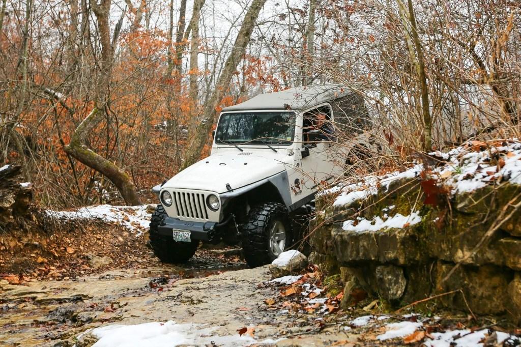 Scott's Jeep flexing at SMORR