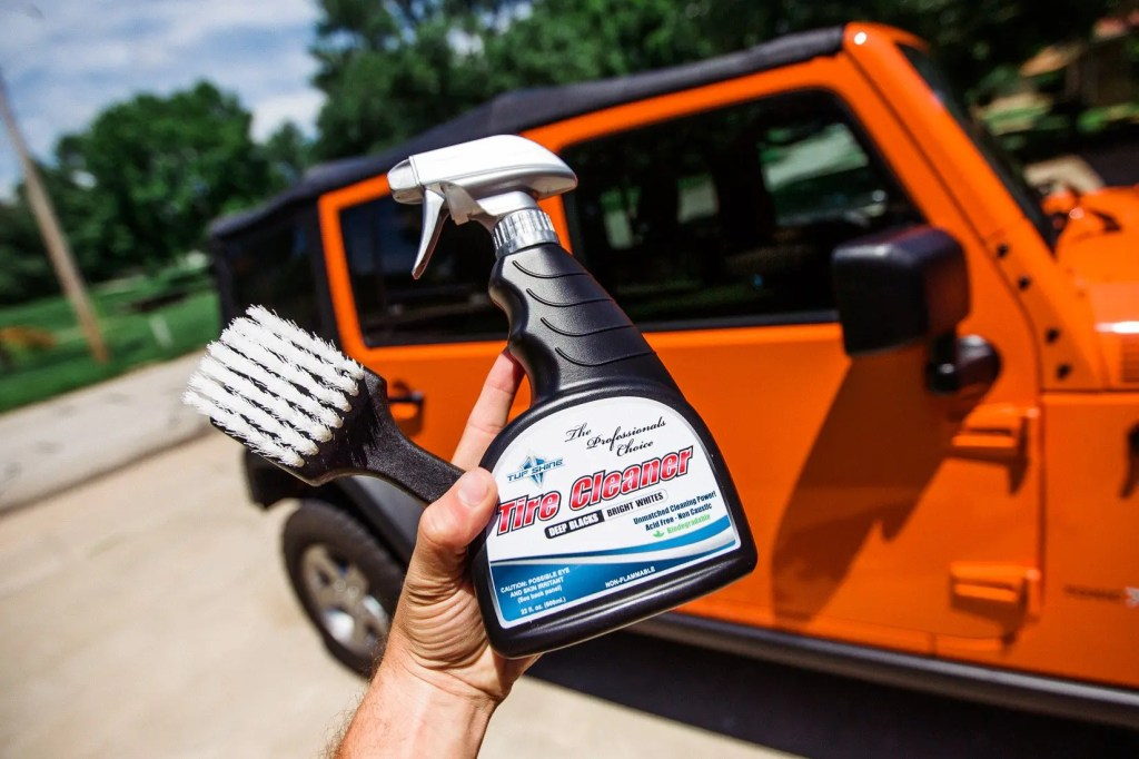 Jeep_tire_shine-5
