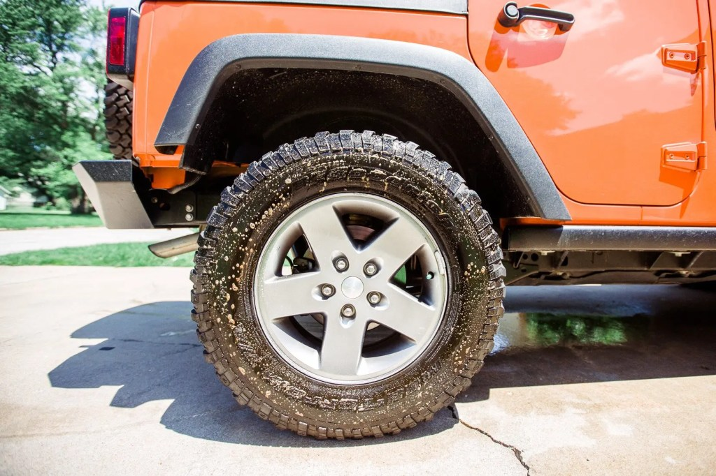 Jeep_tire_shine-7